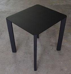 特注品:黒のテーブル